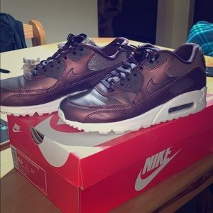 Maroon Air Max 90's